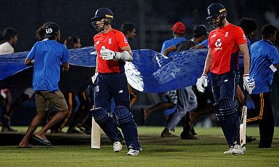 Sri Lanka thump England in final ODI by 219 runs (D/L)