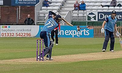 Derbyshire's Wayne Madsen to work with Cricket Scotland Players