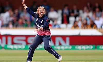 Dani Hazell Retires From International Cricket