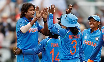 India Clinch ODI Series In Mumbai