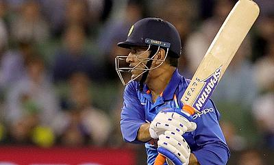 India beat Australia by 6 wickets in 1st ODI thanks to MS Dhoni & Jadhav