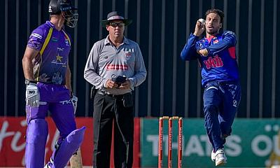 Shadley van Schalkwyk (R) of VKB Knights during the Momentum One-Day Cup match between VKB Knights and Hollywoodbets Dolphins