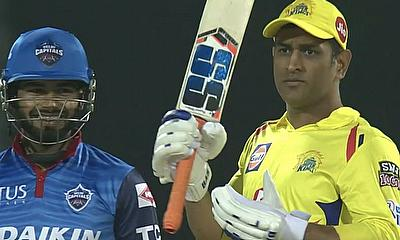 Watson and Dhoni Guide Chennai Super Kings to 6 Wicket Win