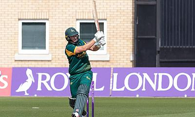 Samit Patel hits Notts Outlaws into Semi Finals of Royal London One Day Cup