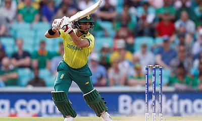 South Africa's JP Duminy in action