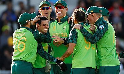 South Africa beat Australia by 10 runs in tense group finale World Cup match