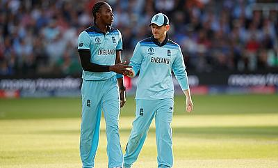 Jofra Archer and Eoin Morgan during the super over