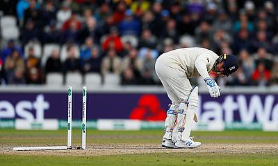 England in a spot of bother at 200-5 in 4th Ashes Test