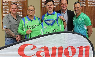 Gielie Marais (Sales Executive at Smart Office Connexion) with Rudi Claassen (President of SWD Cricket), Jean du Plessis (the SWD captain for the Prov