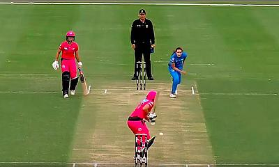 Strikers complete their first ever rebel WBBL win over the Sydney Sixers