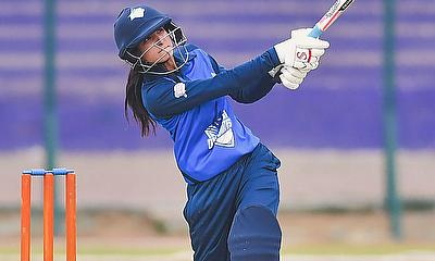 Omaima Sohail plays a shot - PCB
