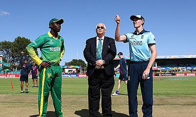 Sylvester Okpe of Nigeria and George Balderson of England pictured during the coin toss