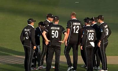 New Zealand beat India by 22 runs in hard-fought Auckland encounter to take ODI series