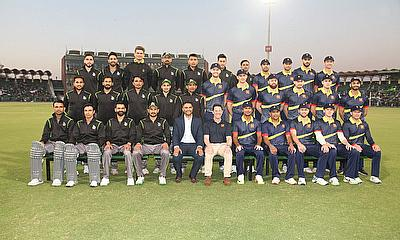 MCC and Lahore Qalandars with PCB Chief Executive Wasim Khan pose for a photo at GSL - PCB
