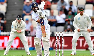 New Zealand made further inroads in the second session, but Ajinkya Rahane and Rishabh Pant have offered solid resistance.