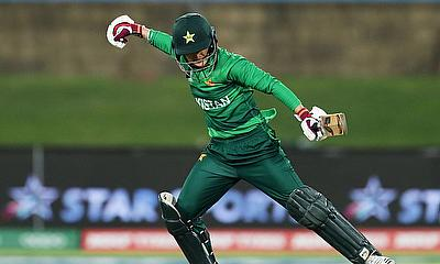 Bismah Maroof of Pakistan celebrates victory