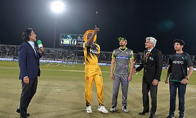 HBL PSL 2020: Peshawar Zalmi beat Lahore Qalandars by 16-runs in rain affected match
