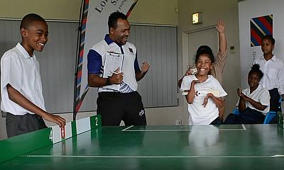 Mike Gatting & David Gower Introduce Table Cricket to South Africa