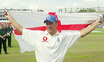 England's Alec Stewart celebrates his last test