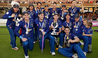 Gloucestershire CCC relive lifting the Royal London One-Day Cup
