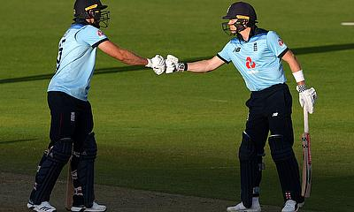 England's David Willey and Sam Billings