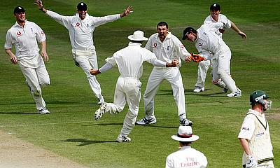 England's Harmison celebrates victory against Australia with team mates in the second test of The Ashes series in Birmingham.