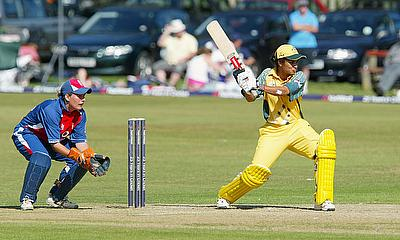 Lisa Sthalekar of Australia batting