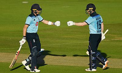 England's Sam Billings and Eoin Morgan