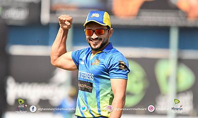Defenders captain Gulbadin Naib flexes his muscles