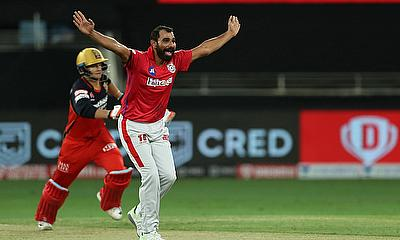 Mohammad Shami of Kings XI Punjab appeals for the wicket of Joshua Philippe of Royal Challengers Bangalore