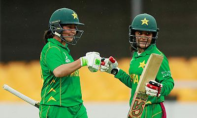 Pakistan's Javeria Khan Wadood and Bibi Nahida in action