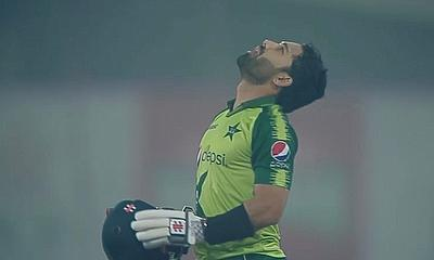 Mohammad Rizwan 104* in 1st T20I for Pakistan