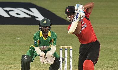Simmons stars with 102 as Red Force win again