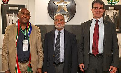 South African High Commissioner Mr Mthuthuzeli Madikiza and Deputy Head of Mission Mr Christo Janse Van Noordwyk with the PCB Chairman Mr Ehsan Mani