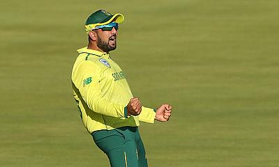 Shamsi, Klaasen boost Titans to win