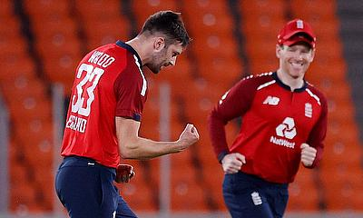 England's Mark Wood celebrates the wicket of India's Kannur Lokesh Rahul 2