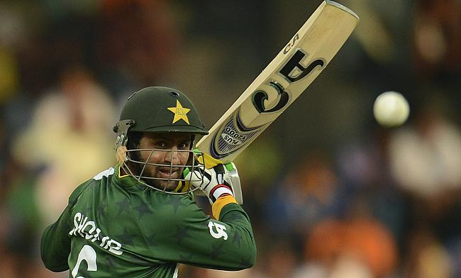 Shoaib Malik scored a quick-fire 112 of just 76 deliveries as Pakistan defeated Zimbabwe by 41 runs in Lahore.