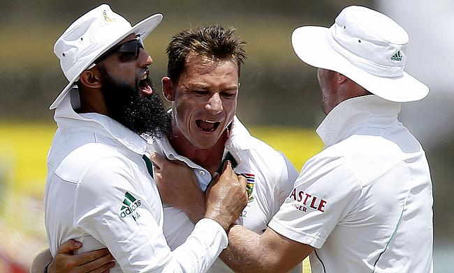 Dale Steyn picked up three wickets in the first innings against Bangladesh in Chittagong.