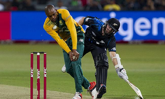 South Africa won the first Twenty20 International against New Zealand in Durban by six wickets by chasing down 151 in the 18th over to go 1-0 up in th