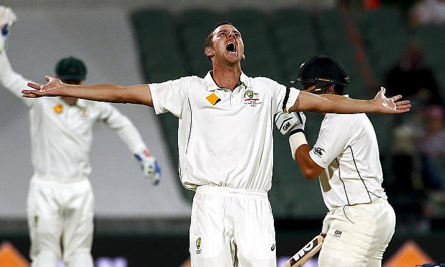 New Zealand five down after Australia take handy lead