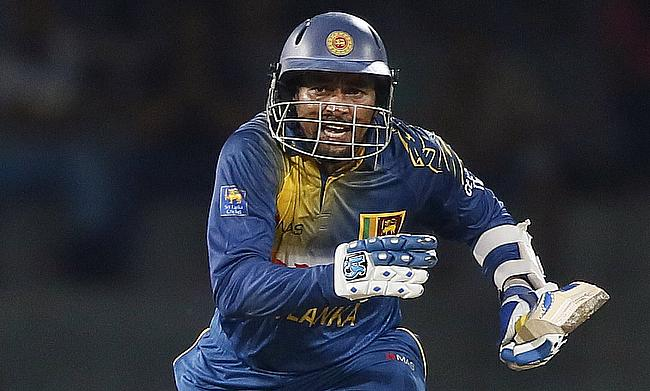 Sri Lanka stay alive with solid batting performance