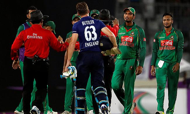 Mortaza, Sabbir fined for code of conduct breach