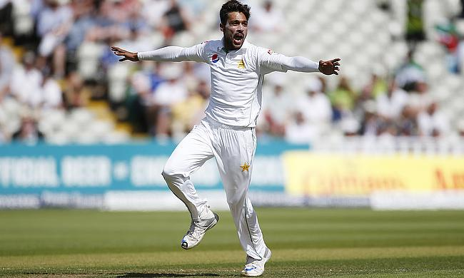 Mohammad Amir picked two wickets
