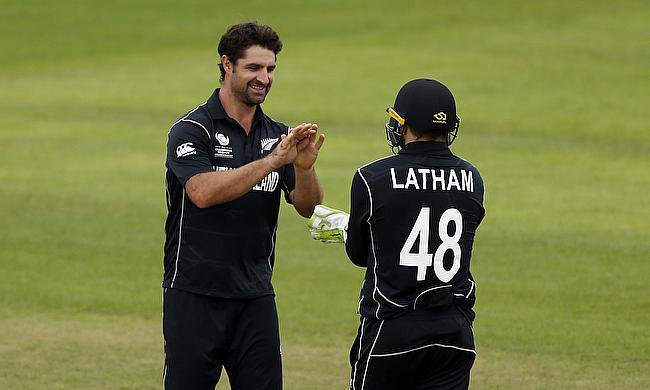 Colin de Grandhomme (left) scored an unbeaten 74 off 40 deliveries
