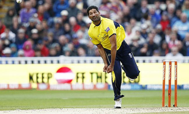 Sohail Tanvir registered figures of 14 for three
