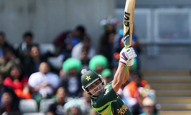 Kamran Akmal scored a blistering half-century opening the batting