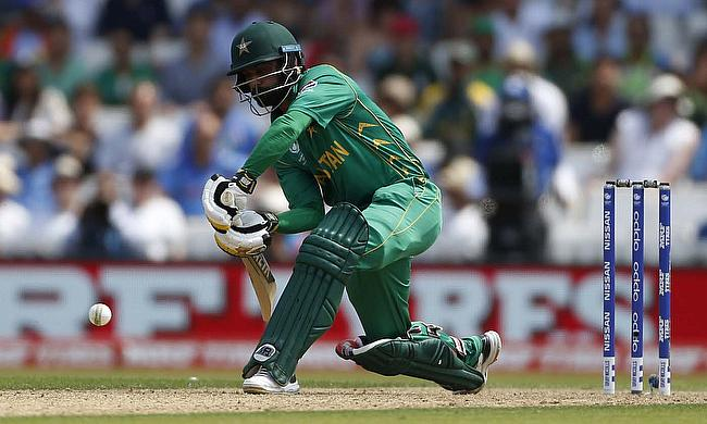 Mohammad Hafeez in action