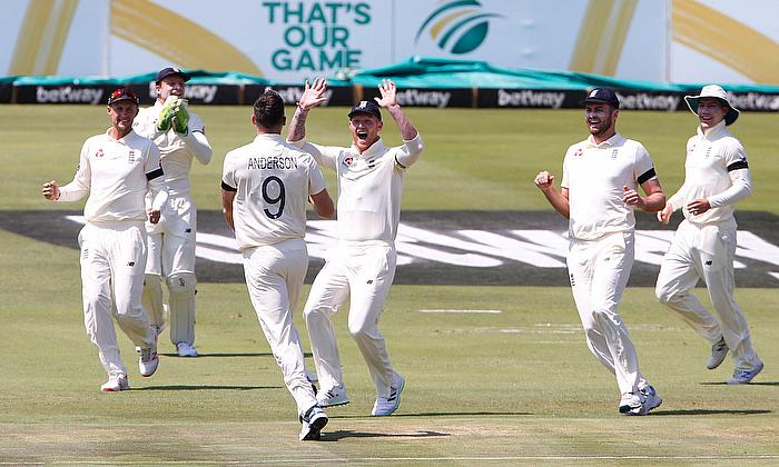 1st Test South Africa v England: Honours even on day one
