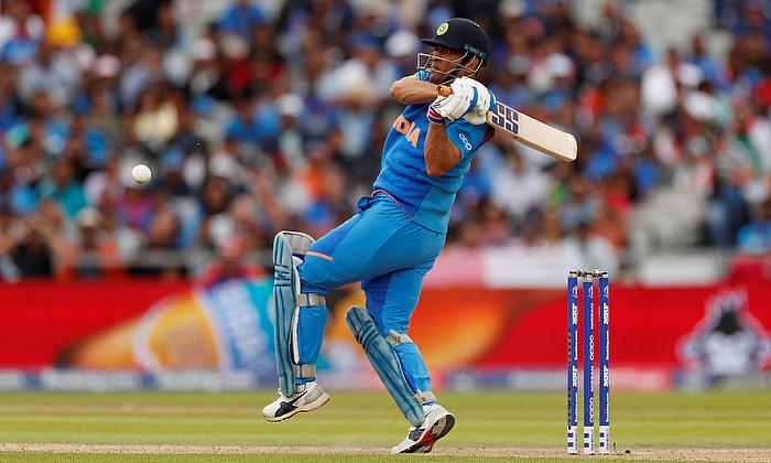 Don't push Dhoni into retirement; once he's gone, there is no getting him back: Nasser Hussain
