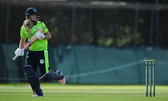 Ireland's Kim Garth accepts two-year contract with Cricket Victoria